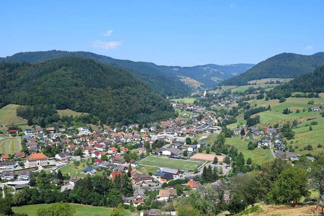 Das Gebiet der Gemeinde Münstertal ver...und reicht auf bis zum Belchen hinauf.    Foto: Frank Schoch