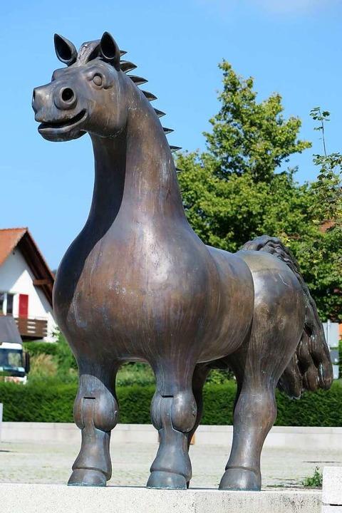Lange umstritten war das große Pferd, ... Münstertäler Künstlers Franz Gutmann.    Foto: Hans-Peter Müller