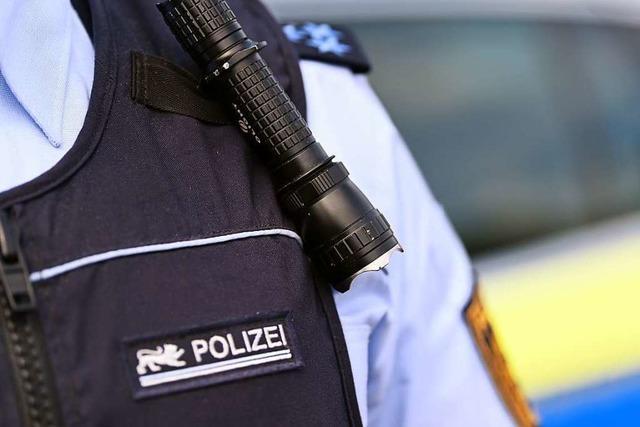 Unfallverursacher in Lörrach hinterlässt unleserlichen Zettel