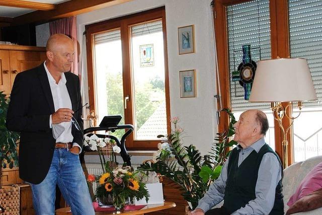 Ulrich Schmidt wird erster Ehrenbürger in Rickenbach