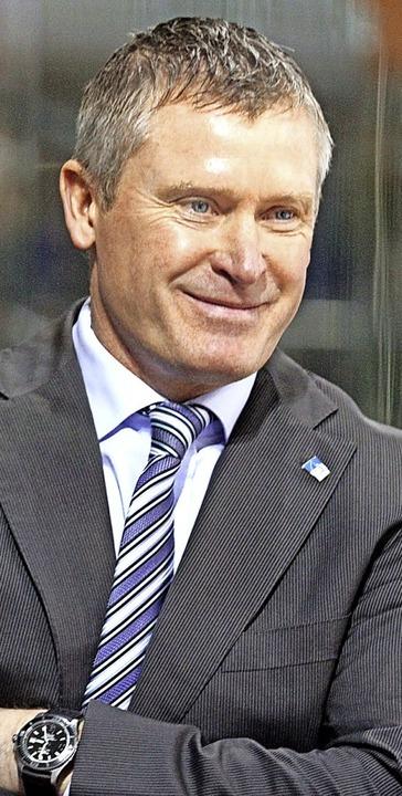 Schwenningens Trainer Niklas Sundblad ...üder aus gemeinsamen Zeiten in Örebro.    Foto: Dieter Reinhardt