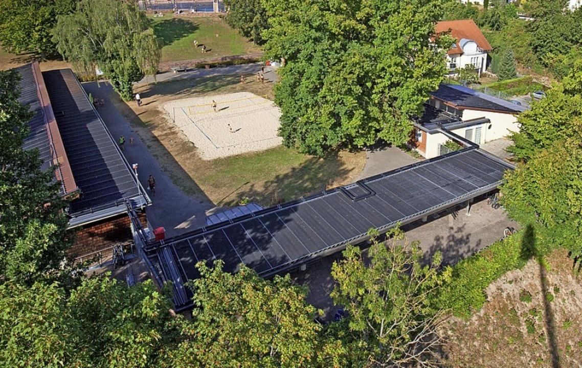 Solaranlagen im Terrassenbad   | Foto: Photographer: Andreas Weindel