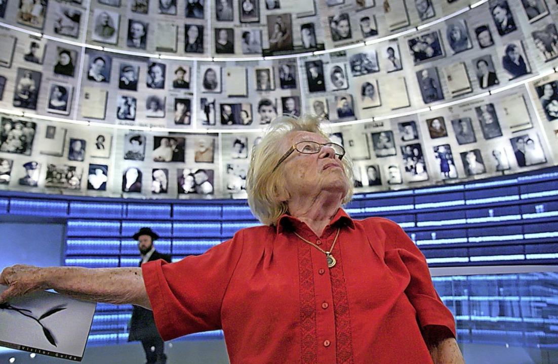 Ruth Westheimer in der Holocaust-Gedenkstätte Yad Vashem    Foto: - (dpa)