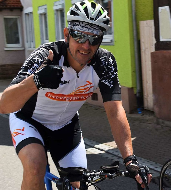 Erik Weide sitzt fest im Radsattel.  | Foto: Walter Holtfoth