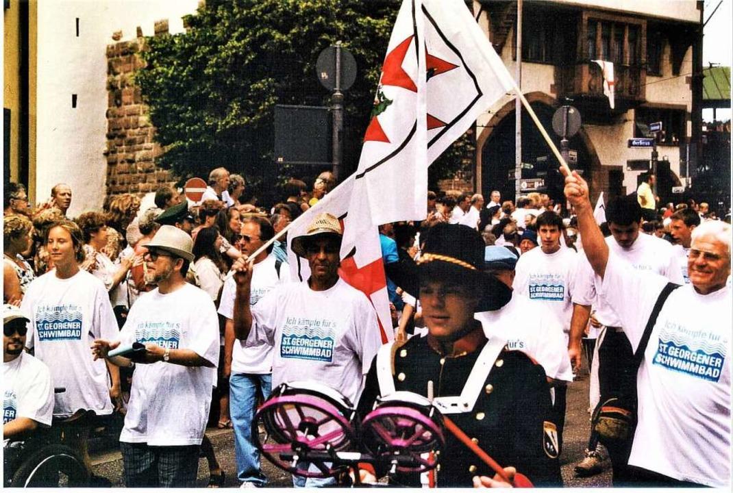 1995 demonstrierten die St. Georgener ...Jahr-Feier für den Erhalt ihres Bades.  | Foto: Uto R. Bonde