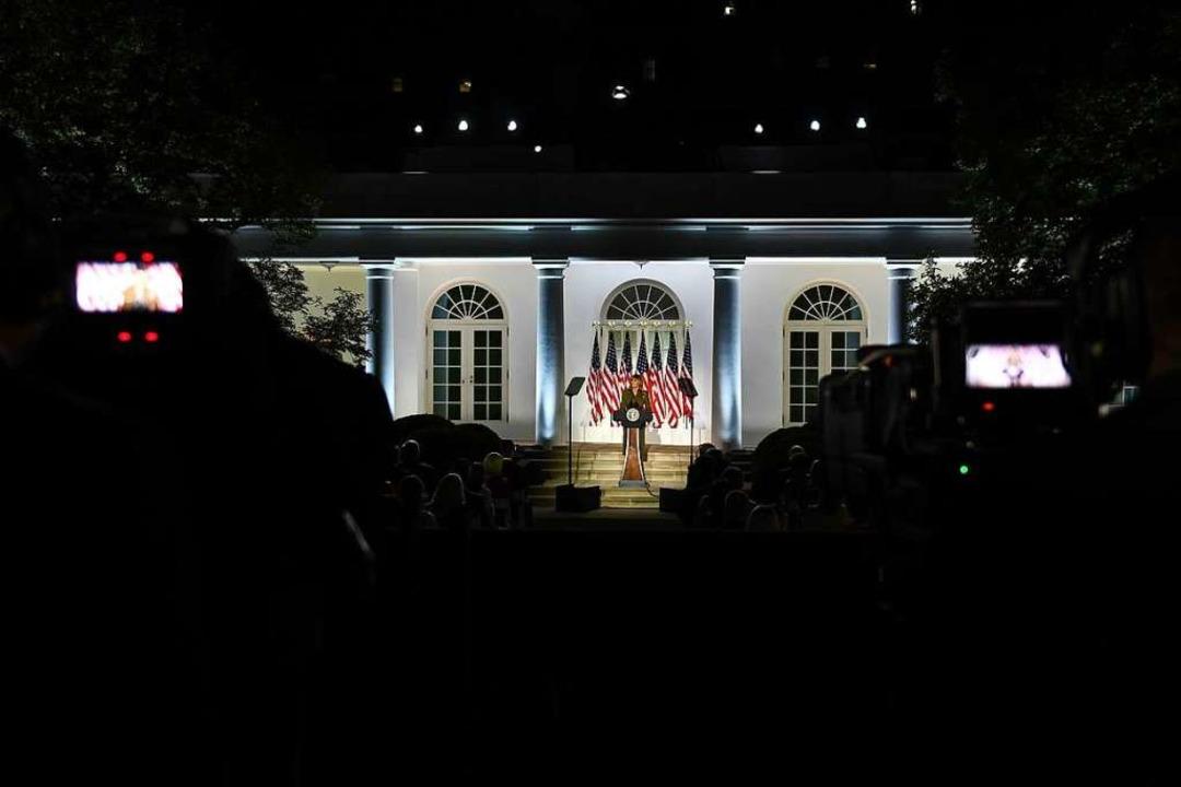 Wahlkampf am Weißen Haus  | Foto: BRENDAN SMIALOWSKI (AFP)