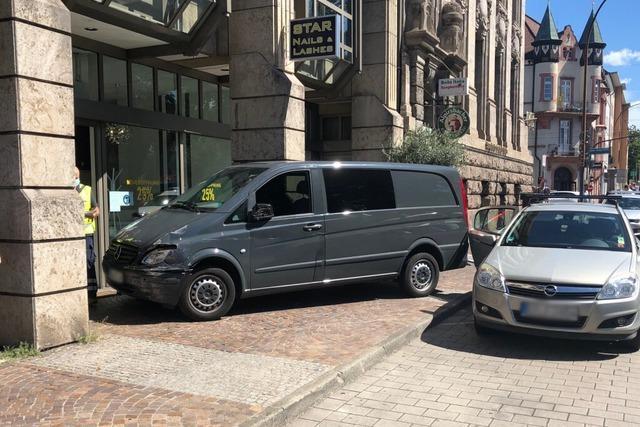 18-Jähriger bei Verkehrsunfall in Freiburg lebensgefährlich verletzt