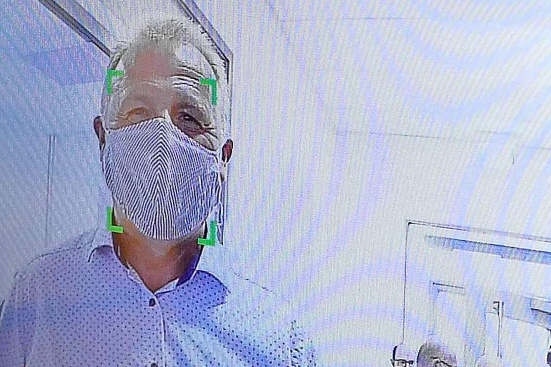 Grünes Licht auf dem Bildschirm: Die Maske ist erfolgreich erkannt.    Foto: André Hönig