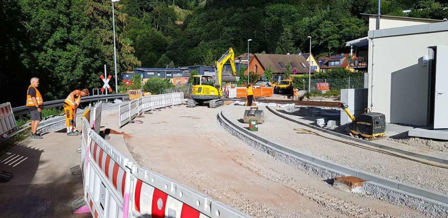 Sanierung der Elztalstrecke der Breisg... Bahnübergang beim Bahnhof Waldkirch.   | Foto: Gerhard Walser
