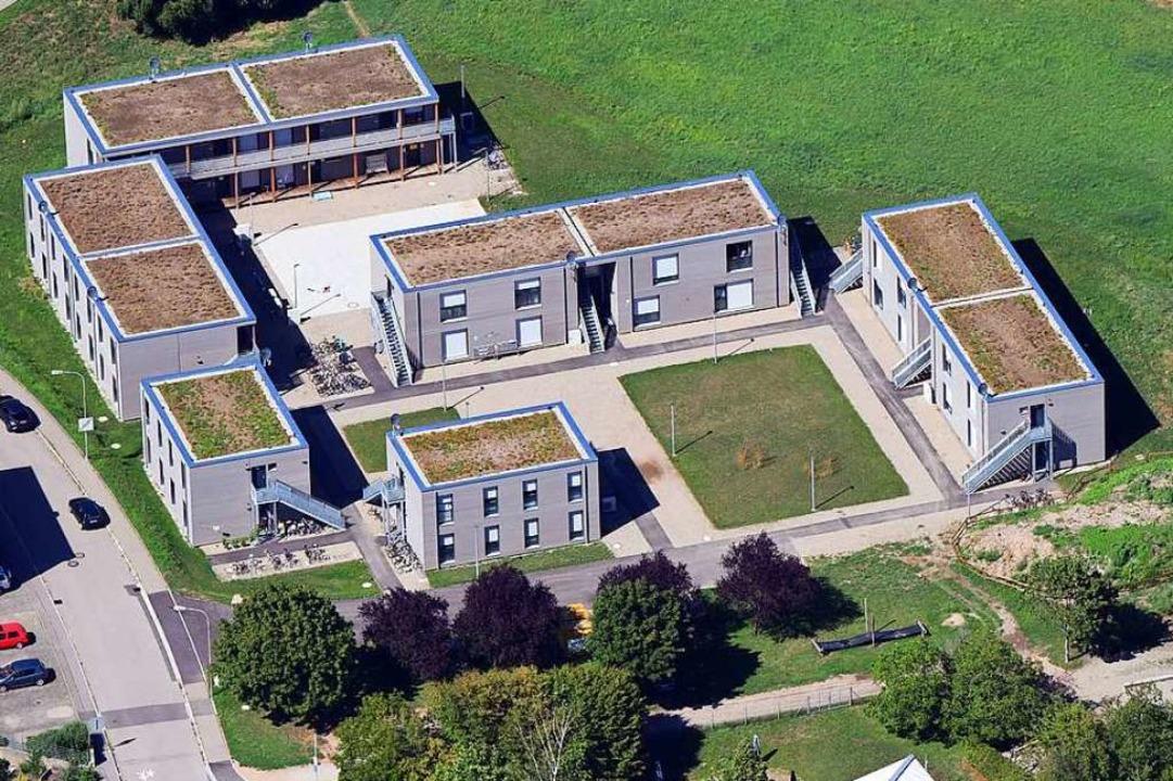 In Haagen hat die Stadt Lörrach provisorische Holzbauten errichtet    Foto: Erich Meyer