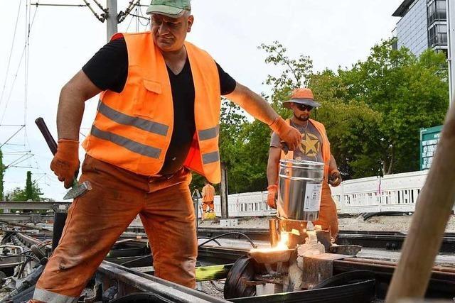 So läuft die Rundumerneuerung der Gleise an Freiburgs Berliner Allee