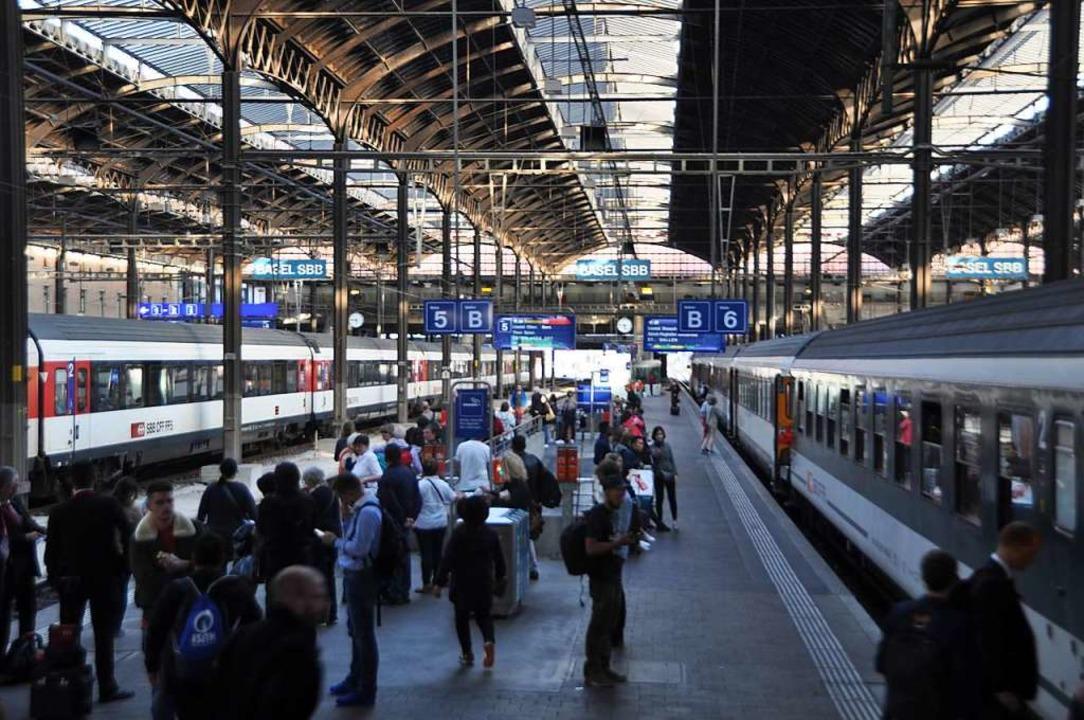 Der Bahnhof SBB wird bis 2025 für rund 210 Millionen Euro fit gemacht.  | Foto: Daniel Gramespacher