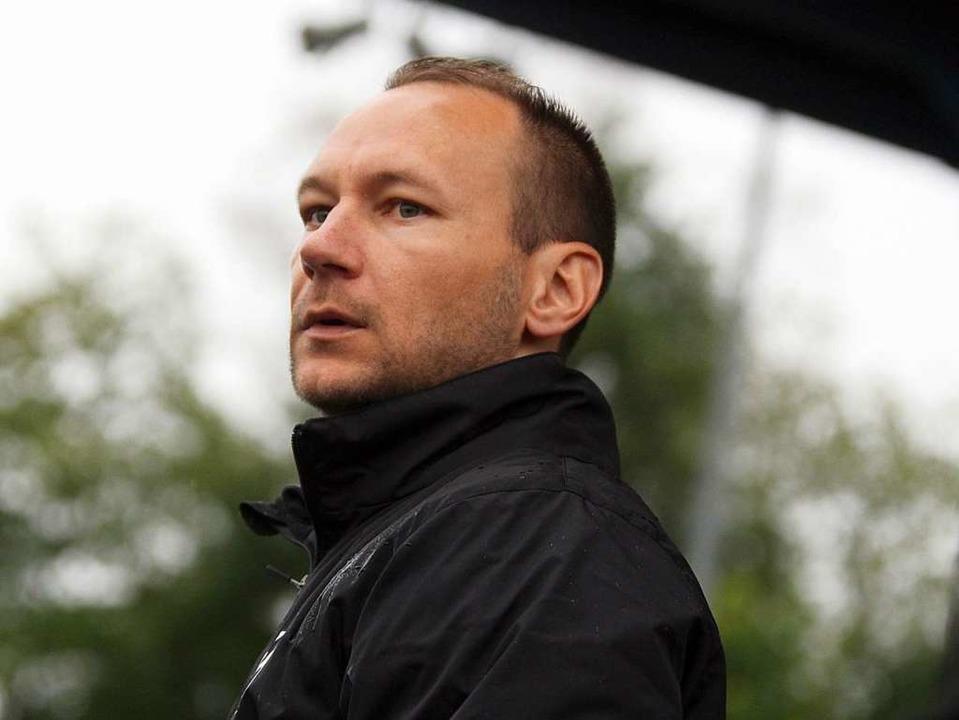 Wie versteinert: 08-Trainer Marijan Tukakovic  | Foto: Dieter Reinhardt