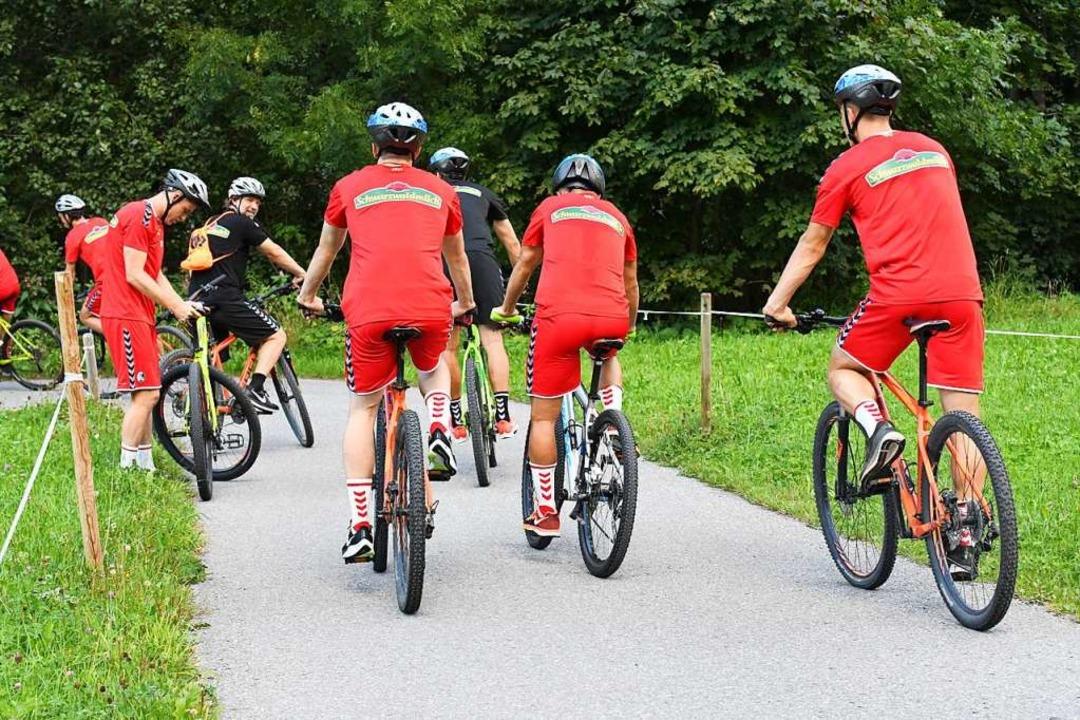Eine letzte Radfahrt in Schruns für die SC-Profis  | Foto: Achim Keller