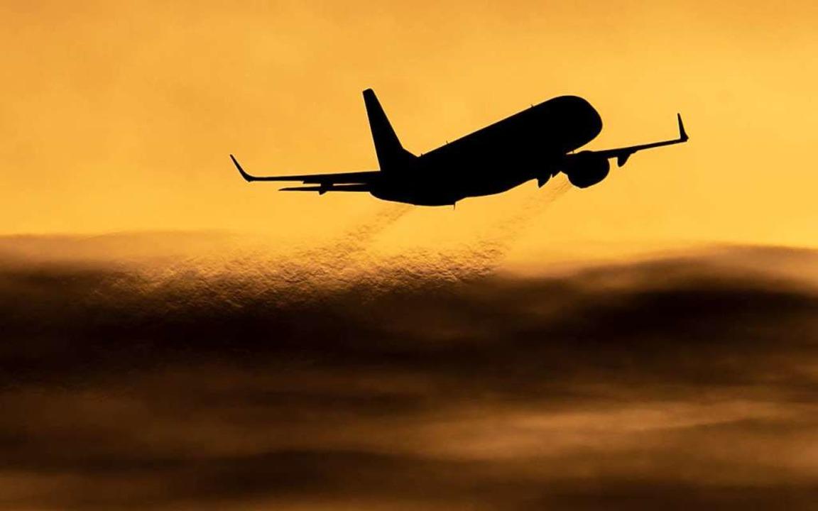 Wer in diesem Sommer verreisen will, m...ch vorab gut informieren. (Symbolbild)  | Foto: Julian Stratenschulte