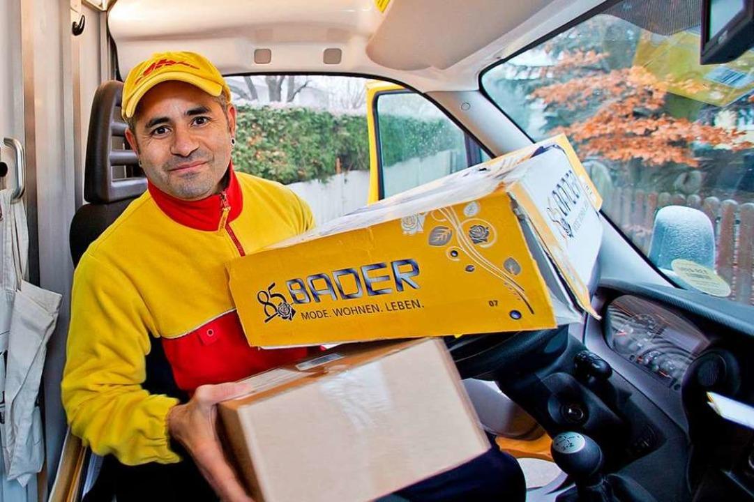 Paketzusteller bringen Päckchen – nehmen aber auch welche mit.    Foto: Daniel Karmann