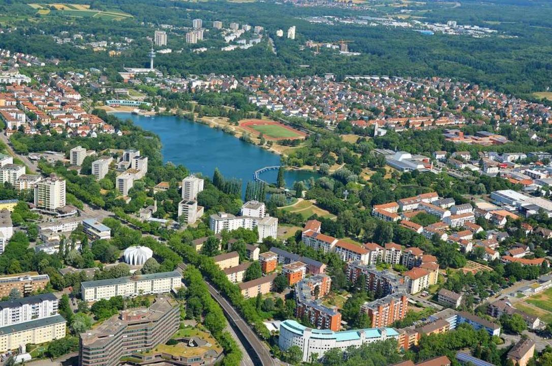 Nahe des Freiburger Seeparks soll ein ...ährigen geschlagen haben (Archivbild).  | Foto: Sina Schuler