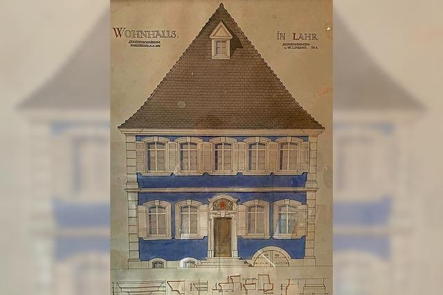 URTEILSPLATZ: Wer kennt das blaue Haus?