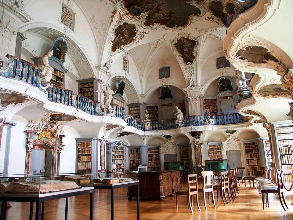 Das ehemalige Kloster St. Peter mit se...orischen Anlagen im süddeutschen Raum.  | Foto: Markus Donner