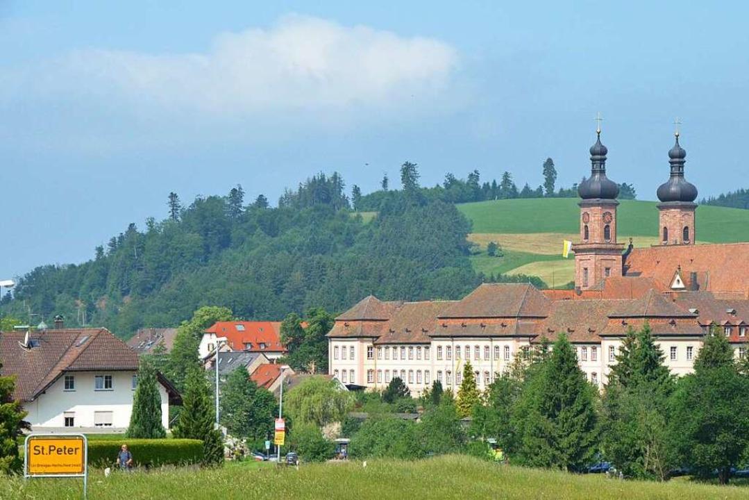 Die Klosteranlage von St. Peter sollte man unbedingt besuchen.  | Foto: Markus Donner