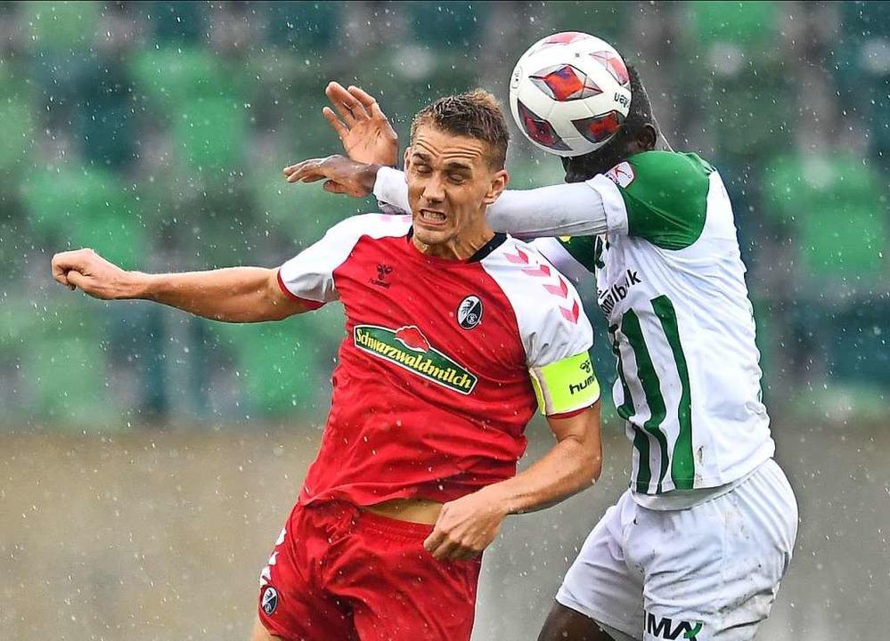 Nils Petersen im Testspiel am vergange...s der SC mit 3:1 in St. Gallen gewann.  | Foto: Achim Keller