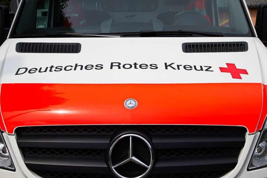 Notarzt und Rettungsdienst sind bei ei... auf der B33 bei Gengenbach gefordert.  | Foto: Daniel Fleig