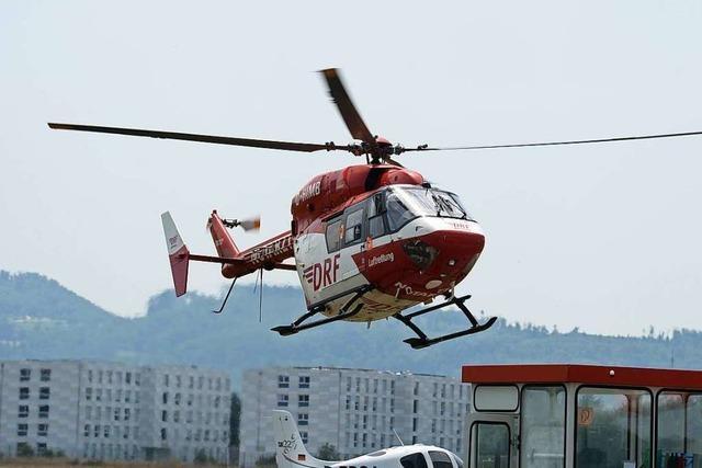 Zimmermann stürzt vom Dach und verletzt sich schwer
