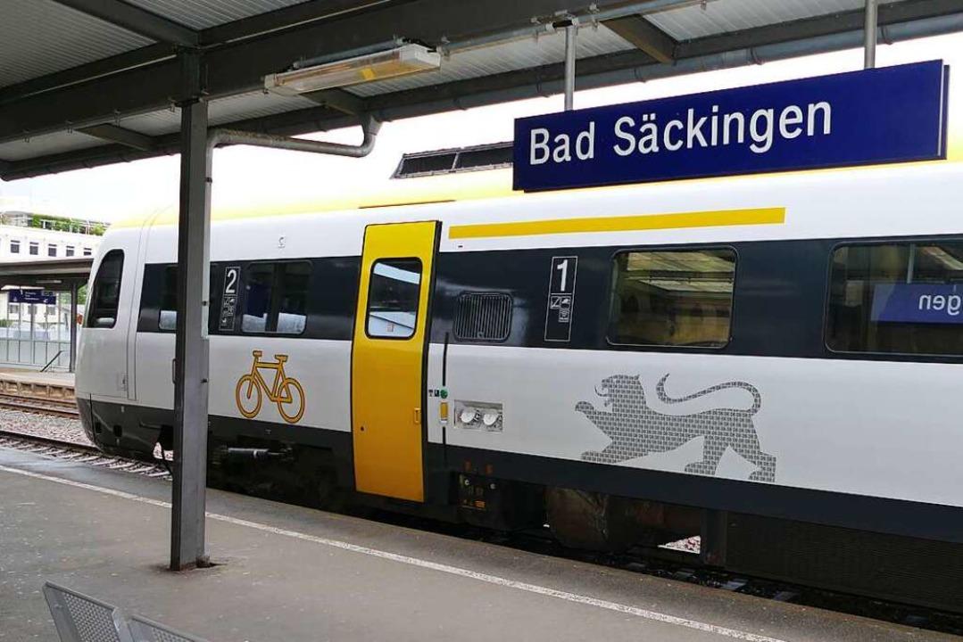 Veraltetes Zugmaterial erschwert die Einhaltung der Corona-Vorschriften.   | Foto: Axel Kremp