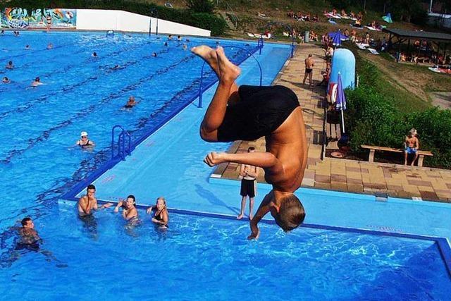 Im Zeller Freibad wird die Badesaison vorzeitig beendet