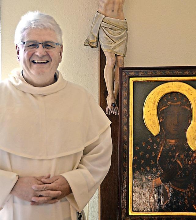 Pater Roman ist Prior des Paulinerklos...tergottes in der Kapelle  aufgestellt.  | Foto: Christiane Sahli