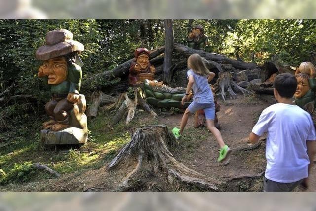 Der Walderlebnispfad in Grafenhausen lockt mit mächenhaften Figuren