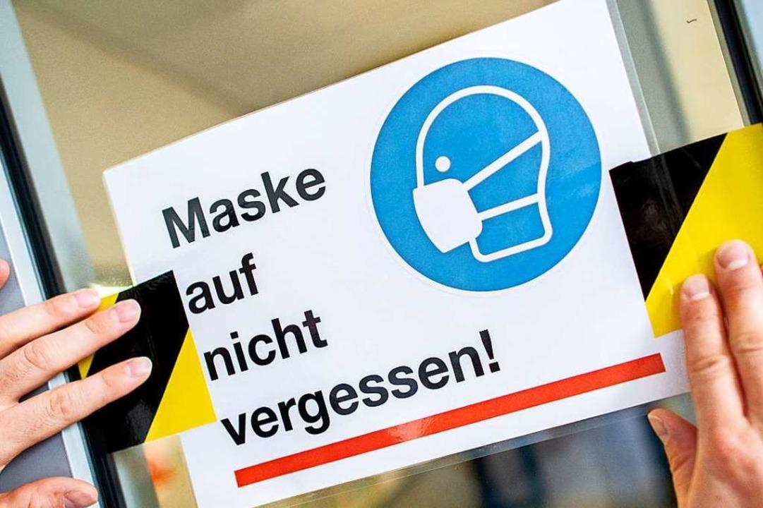 Schülern in Baden-Württemberg, die auf...e tragen, droht ab sofort ein Bußgeld.  | Foto: Hauke-Christian Dittrich (dpa)