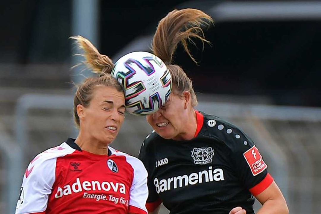 Remis, aber nur in diesem Kopfballduel...ke vom SC (links) gegen  Juliane Wirtz  | Foto: Achim Keller