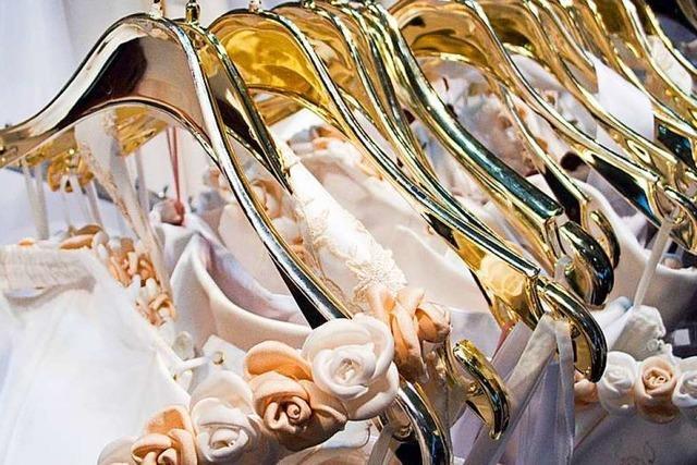 Einbrecher klauen Dutzende Brautkleider in Freiburg-St. Georgen