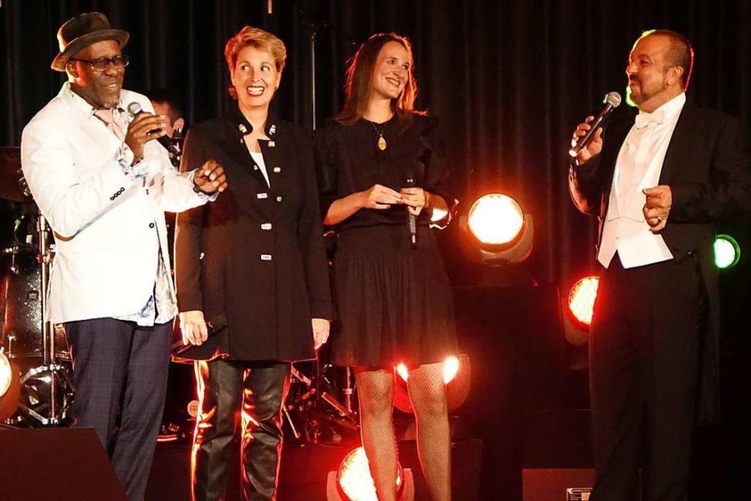 Karl Frierson, Jane, Nicole Matter und... Finale des Festivals Hoffnungszeichen  | Foto: Roswitha Frey