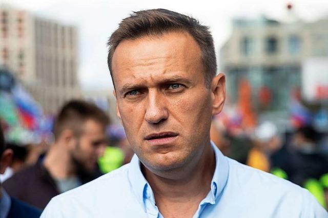 Kreml-Kritiker Nawalny nach Vergiftung aus dem Koma erwacht