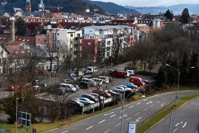 Männer brechen in Campingbus in Freiburg ein – Fünfjähriger verletzt