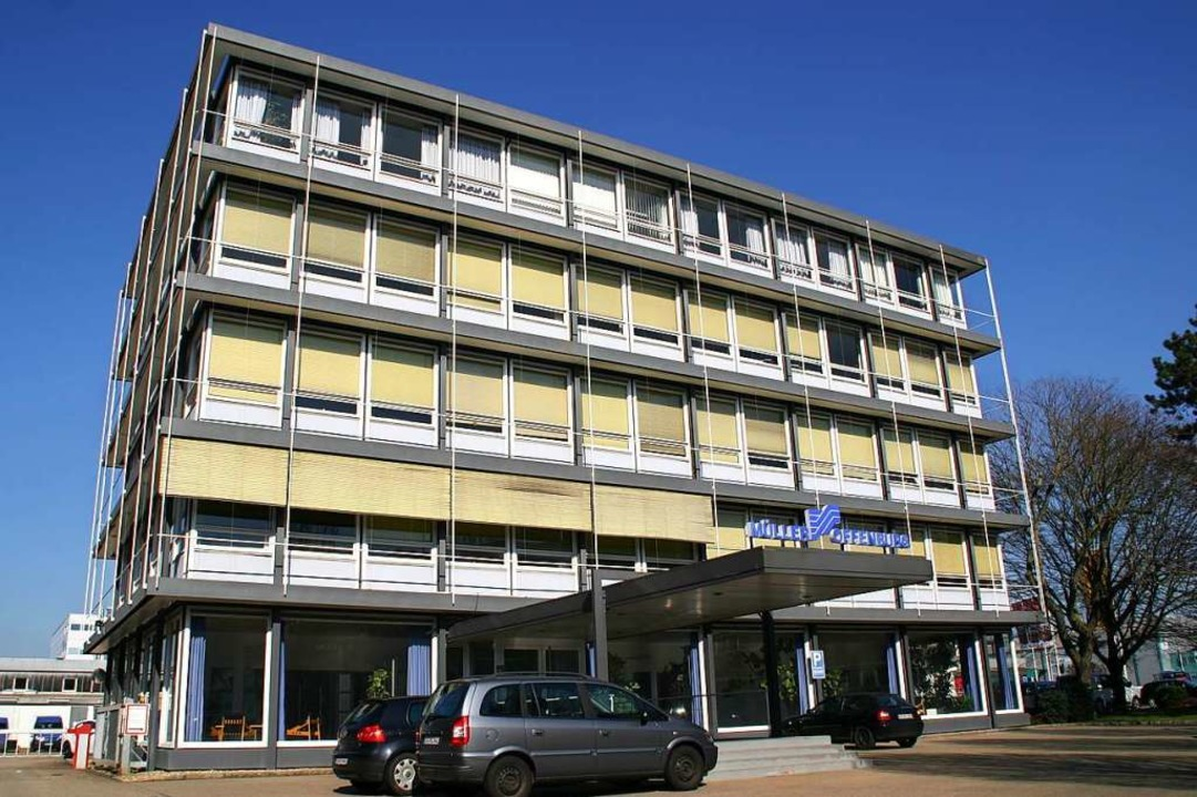 """Ein Denkmal des neuen """"demokrati...itionsfirma Insolvenz anmelden müssen.    Foto: Tietge GmbH"""