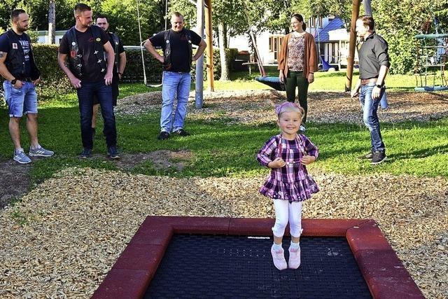 Motorradclub hilft Kindergarten