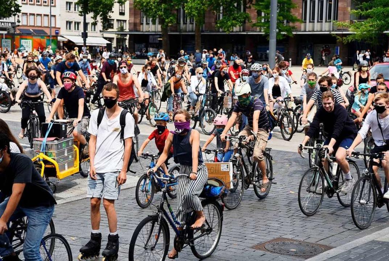 Freie Fahrt für Fahrräder: Die Initiat...et zudem eine Demo statt (Archivbild).  | Foto: Thomas Kunz
