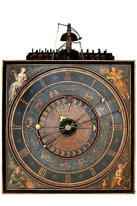 Die Holzräderuhr aus Flandern, die um 1547 entstanden ist.    Foto: Herbert Mark