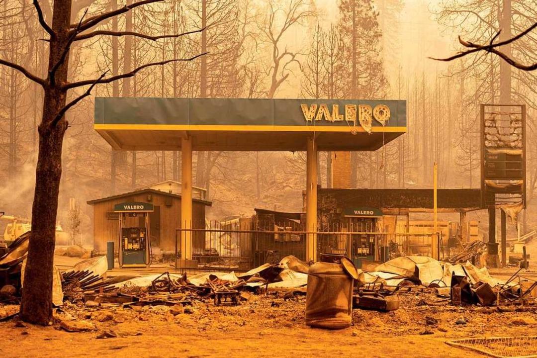 Eine ausgebrannte Tankstelle im Frenso County.    Foto: JOSH EDELSON (AFP)