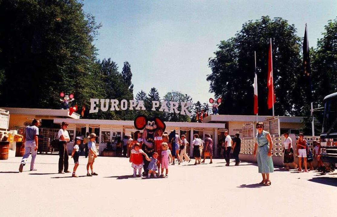 Der Eingangsbereich zum Europa-Park En...r Park bei Ferienjobsuchenden begehrt.  | Foto: Klaus Fischer