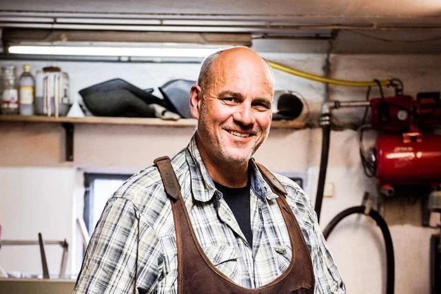 Uwe Bechtold fertigt in Freiburg ein bis zwei Messer-Unikate im Monat