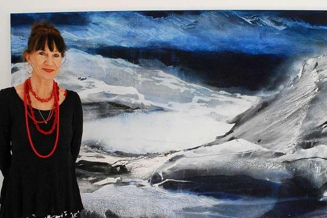 Ungewöhnlich sehenswert: Die Galerie im Tor zeigt Island-Bilder der Künstlerin Marianne Hopf