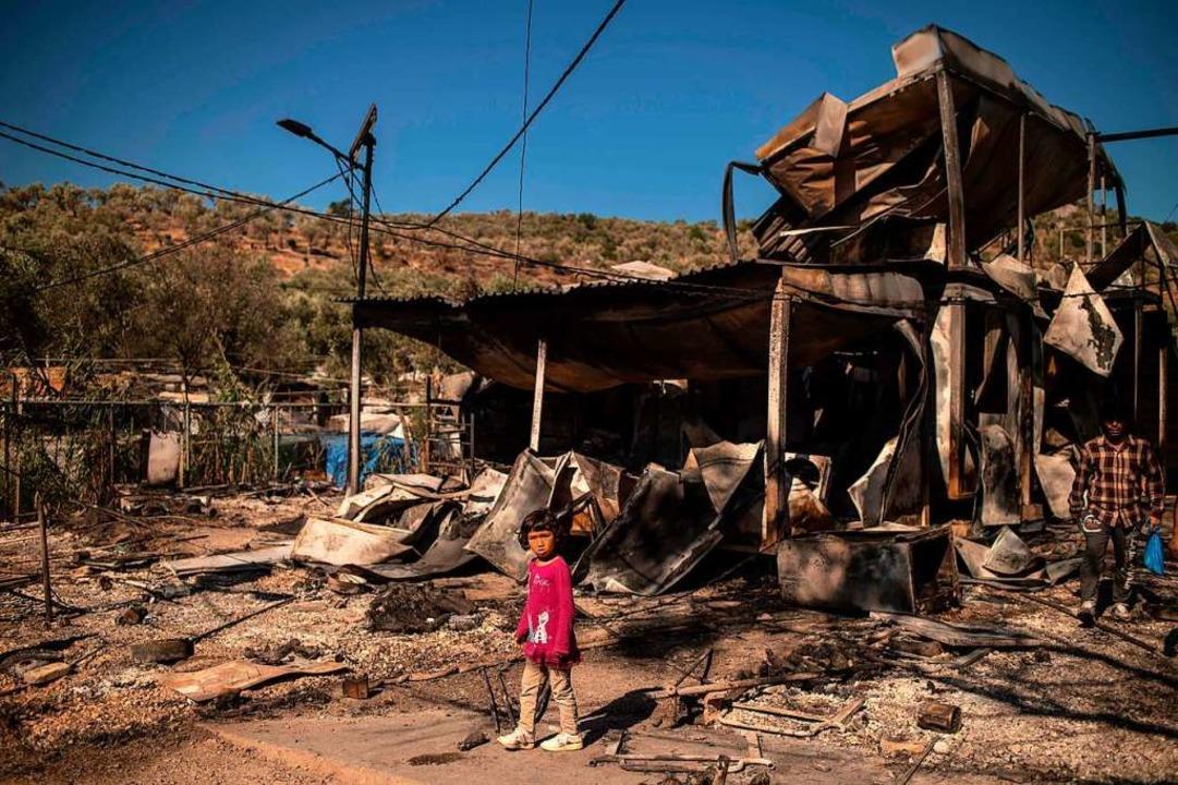 Bis zu 13.000 Geflüchtete haben bei dem Brand ihr Obdach verloren.  | Foto: ANGELOS TZORTZINIS (AFP)