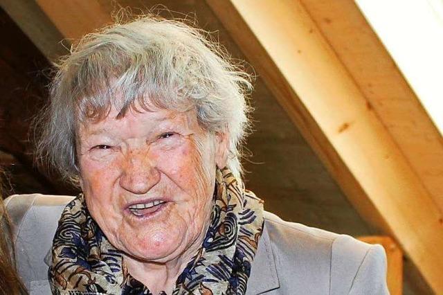 Johanna Baumann feiert heute in Schopfheim ihren 100. Geburtstag