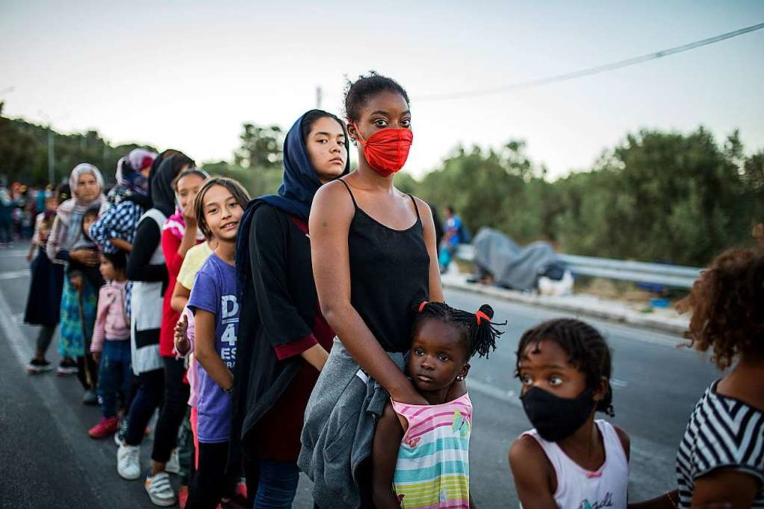 13.000 Menschen sind nach dem Brand obdachlos.  | Foto: Socrates Baltagiannis (dpa)