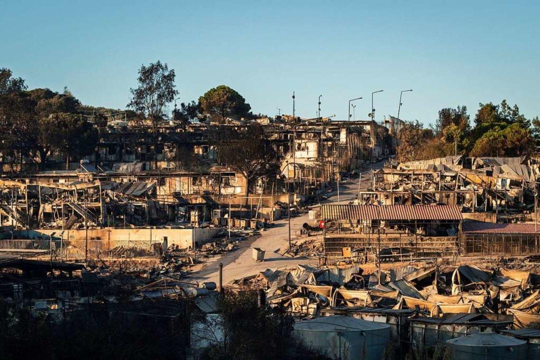 Das Lager ist völlig zerstört.  | Foto: Socrates Baltagiannis (dpa)