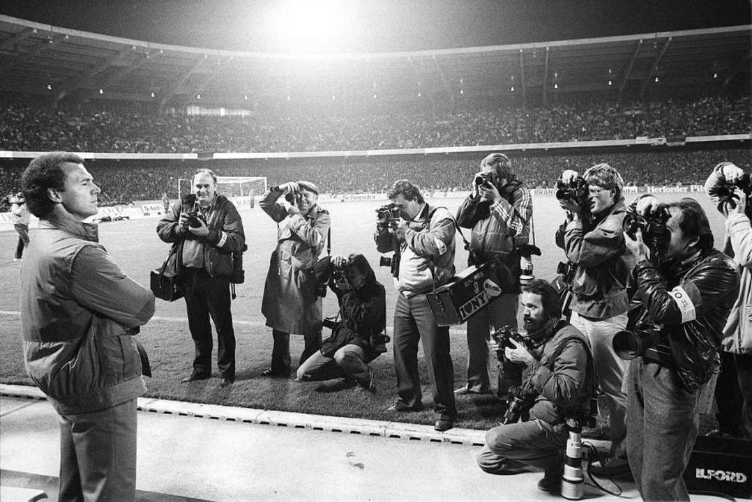 Beckenbauer beim WM-Qualifikationsspiel gegen Schweden 1984    Foto: Franz-Peter Tschauner (dpa)